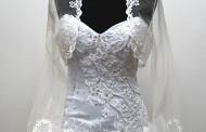 Fehér menyasszonyi ruha