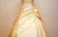 Sárga menyasszonyi ruha